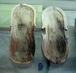 Ma'agan Michael Ship - Violin-shaped box found on the boat