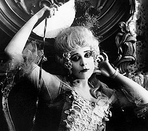 Madame Du Barry (1917 film) - Still with Theda Bara