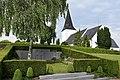 Mads Clausens gravsted og Havnbjerg Kirke.JPG