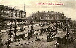 Manchester Piccadilly station - The frontage of London Road station in the 1900s, the main building dated from 1866.