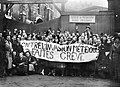 Manifestation xénophobe d'étudiants parisiens - 1935.jpg