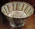 Manises, bacile con monogramma di cristo e lustro metallico, 1500-1525 ca. 02.JPG
