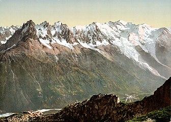Massif du Mont-Blanc depuis l'Aiguille du Floria.jpg
