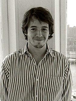 http://upload.wikimedia.org/wikipedia/commons/thumb/c/c6/Matthew_Broderick.jpg/250px-Matthew_Broderick.jpg