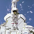 McCandless on Arm in Aft Payload Bay - GPN-2000-001075.jpg