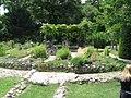 Medieval garden (Perugia) 09.jpg