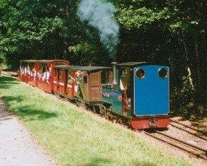 Rudyard Lake Steam Railway - Merlin runs along the side of Rudyard Lake