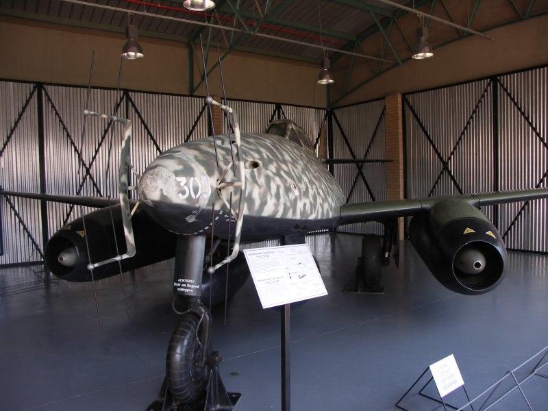 Messerschmitt Me 262B-1a Red8