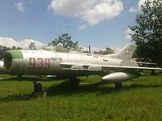 Mikoyan-Gurevich MiG-19 - Image: Mi G 19PM