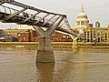 Millennium Bridge, London SE1 - geograph.org.uk - 1089431.jpg