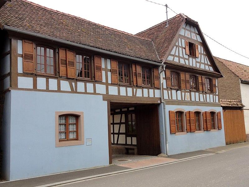 File:Mittelhausen rAulach 2.JPG