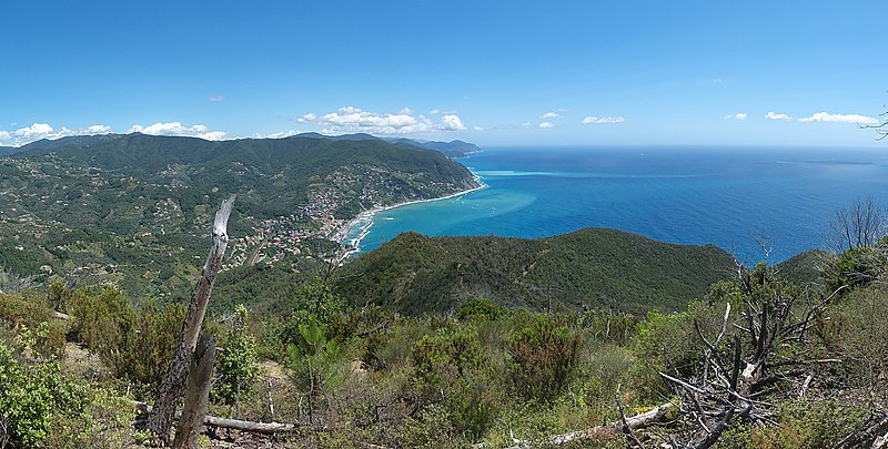 File:Moneglia - panoramio (1).jpg