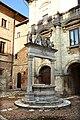 Montepulciano, pozzo dei grifi e dei leoni, 1520, 01.jpg
