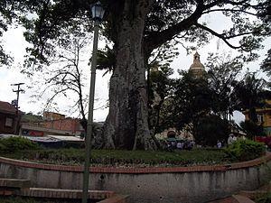 Sasaima - Image: Monumento sasaima parque