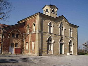 Santa Maria in Brera - Material from the church incorporated in the façade of the Cascina San Fedele