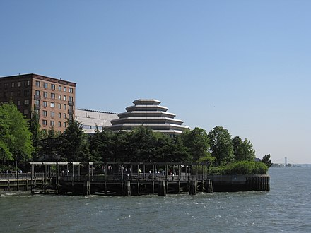 The Museum of Jewish Heritage from the Hudson River Museum of Jewish Heritage 004.JPG