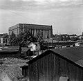 Näkymä Töölön ratapiha-alueelta kohti Eduskuntataloa. (hkm.HKMS000005-km0000m3qt).jpg