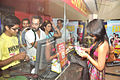 Neil Bhoopalam,Ranvir Shorey,Gul Panag,Rajat Kapoor cast of 'Fatso' sell tickets at PVR, Juhu (3).jpg