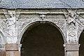 Neuvième arcade de la galerie ouest du cloître de l'ancienne abbaye saint Melaine, Rennes, France.jpg