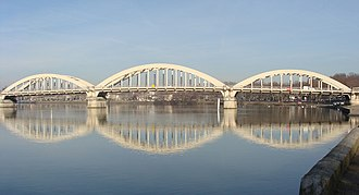 Neuville-sur-Saône - The Neuville bridge crossing the Saône