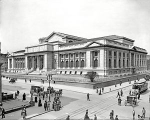 Fifth Avenue - The main branch of the New York Public Library.