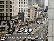 Incrocio tra le strade Broad e Market Street in centro