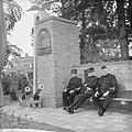 Nieuw zitje voor oud-militairen KNIL te Bronbeek (Arnhem), Bestanddeelnr 915-3522.jpg