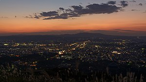 Mount Wakakusa - Image: Night view of Nara from Wakakusayama 20141001
