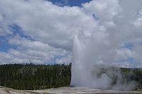 Old Faithful Geyser at Yellowstone.JPG