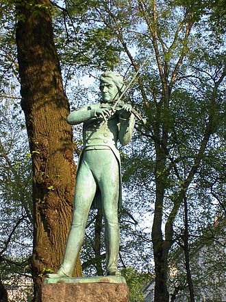 Ole Bull - Statue of Ole Bull in Bergen