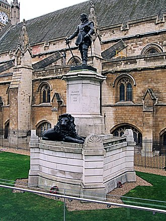 Statue of Oliver Cromwell, Westminster - Image: Oliver Cromwell Statue, Westminster London