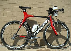 Outline of bicycles - A time trial racing bicycle.