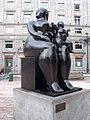 Oviedo - La Maternidad (Fernando Botero).jpg