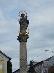 Statue of Madona