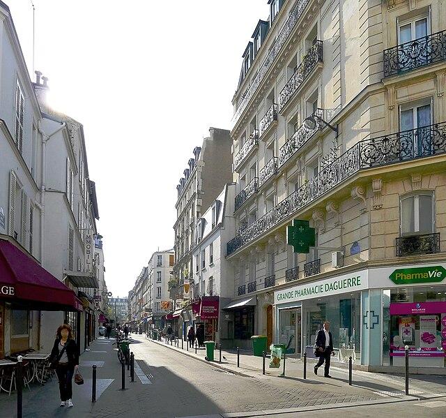 Fichier:P1010914 Paris XIV Rue Daguerre reductwk.JPG