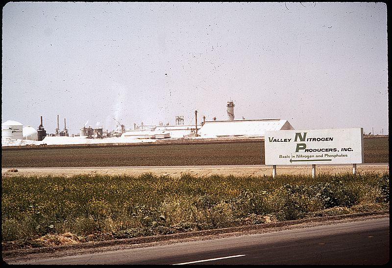 File:PLANT'S EMISSION IS LOCAL AIR POLUTION PROBLEM - NARA - 542551.jpg