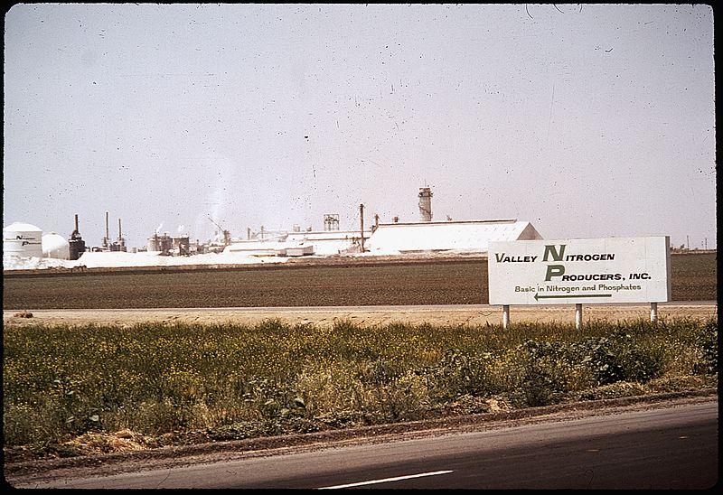 File:PLANT'S EMISSION IS LOCAL AIR POLUTION PROBLEM - NARA - 542551.jpg