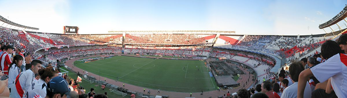 Vista panorámica del Estadio Monumental en 2013.