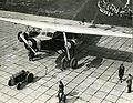 Passagiersvliegtuig op Schiphol Airliner at Schiphol airport.jpg