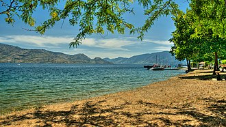 Okanagan Lake - Image: Peachland, British Columbia