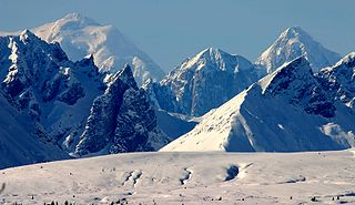 Alaska Range mountain range of the North American Cordillera in Alaska, USA and Yukon, Canada