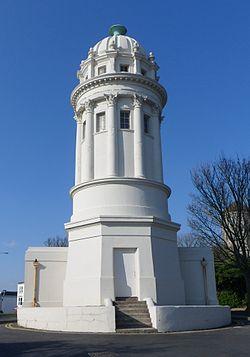 Piprujo, Tower Road, la Parko de Queen, Brighton.JPG