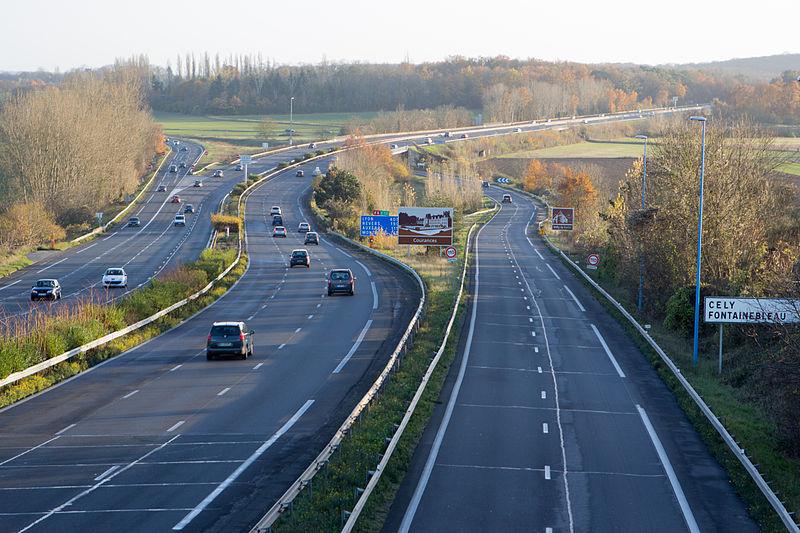 File:Perthes-en-Gatinais - A6 - 2012-11-25 -IMG 8369.jpg