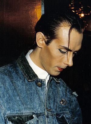 Bauhaus (band) - Peter Murphy in San Francisco, 1987