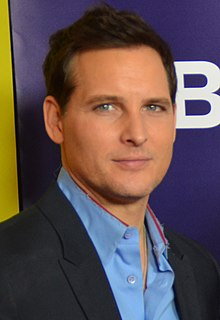 Biographie et Photo de Peter Facinelli 220px-Peter_Facinelli_TCA_2015