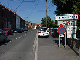 Petite-Forêt (Nord, Fr) city limit sign.JPG