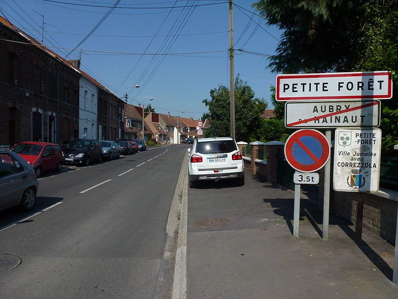 Petite-Forêt (Nord, Fr) city limit sign
