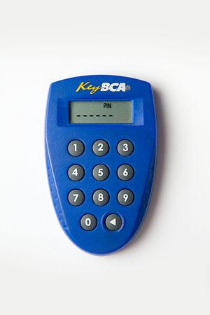 English: photograph of a vasco keypad labeled ...