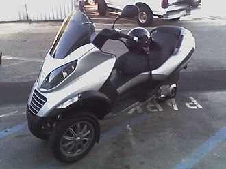 Scooter (motorcycle) - Piaggio MP3