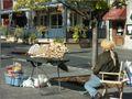 Place Jacques-Cartier (vendeur d'artisanat), Montréal 2005-10-21.jpg